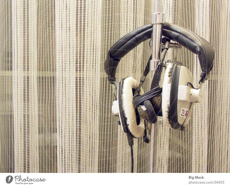 Alter Kopfhörer Werkstatt Lied Radio alt Musik