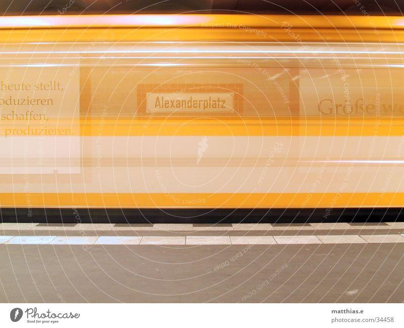 rush-hour? Zeit Verkehr Eisenbahn Geschwindigkeit U-Bahn Alexanderplatz