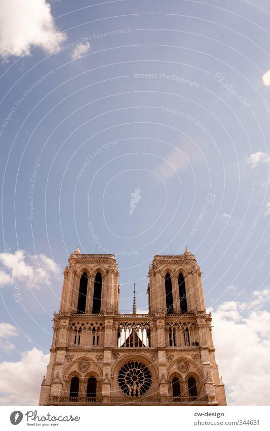 One Day In Paris Stadt Hauptstadt Stadtzentrum Altstadt Kirche Dom Palast Turm Bauwerk Gebäude Architektur Fassade Sehenswürdigkeit Wahrzeichen Notre-Dame alt