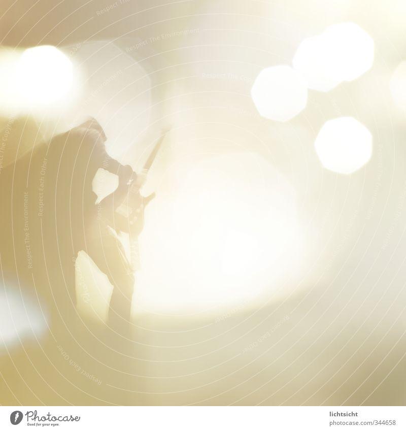 Olymp! Mensch Beleuchtung hell Kunst Musik maskulin Show Kultur Jugendkultur Rockmusik Konzert Bühne Band Gitarre Starruhm Künstler