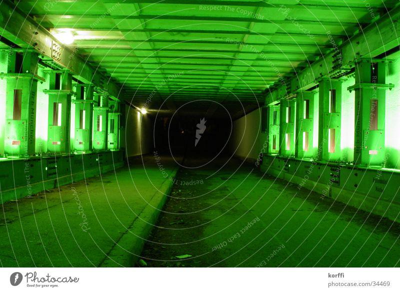 güner tunnel Tunnel Licht Langzeitbelichtung Brücke Unterführung eisenbahn. grün