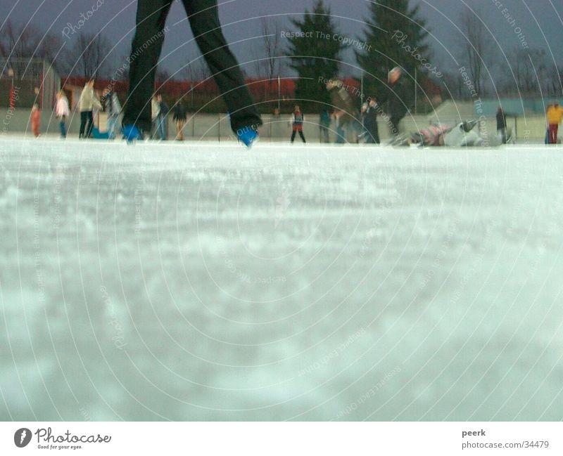 Eistänzerin Mensch Eisfläche Schlittschuhlaufen Eisbahn