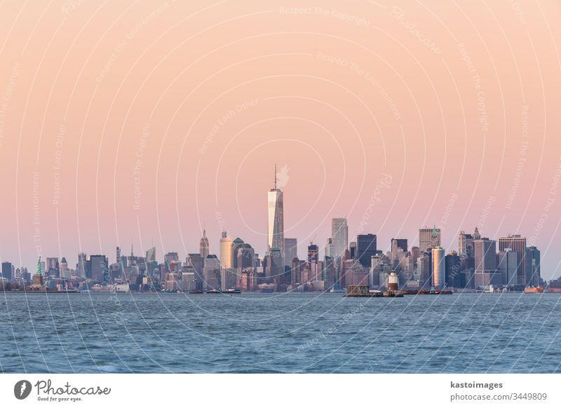 Skyline von New York City Manhattan in der Innenstadt New York State Großstadt nyc amerika Wolkenkratzer Stadtbild beleuchtet Architektur Textfreiraum