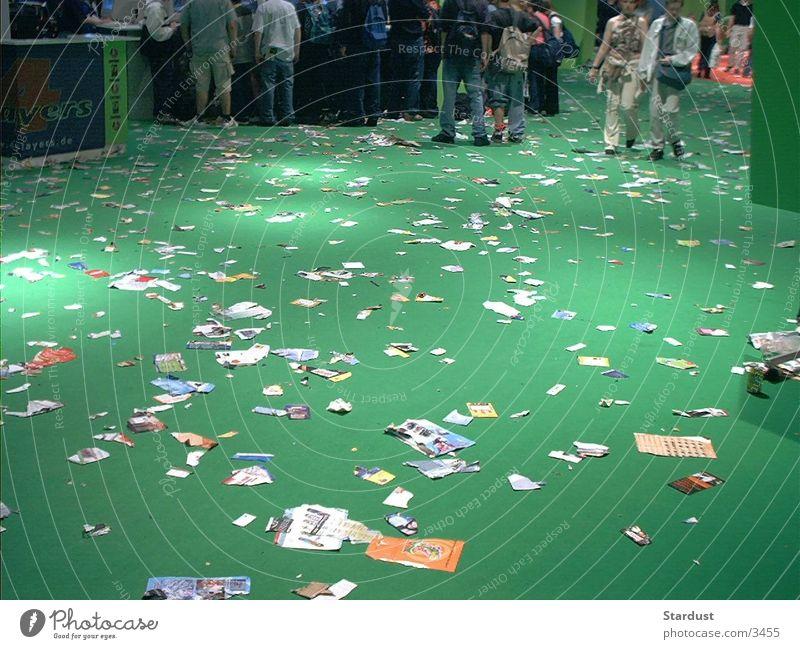 Yougendkultur grün Papier Müll Gottesdienst Fototechnik Dinge