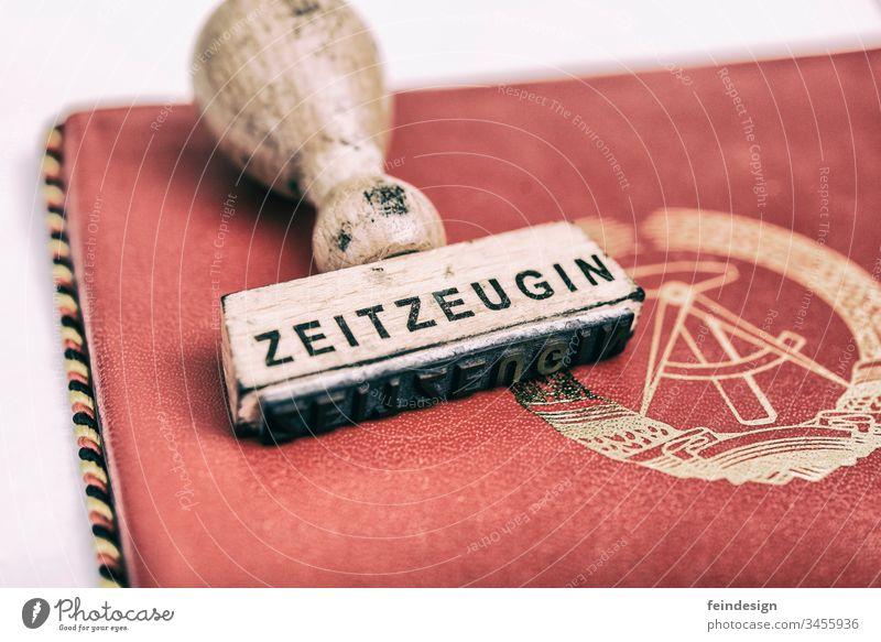 Zeuge der Geschichte Geschichte der DDR Auszeichnung frankieren Zeitzeuge rot Hammer und Kompass Deutsche Demokratische Republik Chronist dokumentarisch