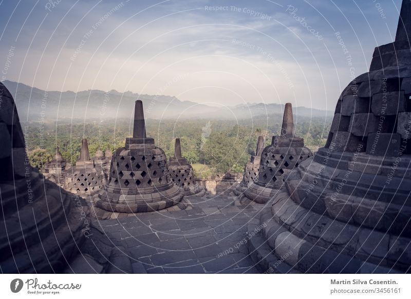 Borobudur-Tempel am Tag, Yogyakarta, Java, Indonesien. erstaunlich antik Architektur Asien Hintergrund Buddha Buddhismus buddhistisch zentral Klassik