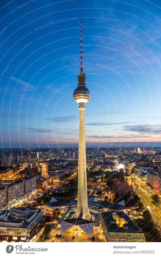 Panoramablick auf Berlin, Deutschland. Alexanderplatz mitte Turm Großstadt blau Europa urban reisen Tourist Hintergrund capitol Fernsehturm retro malerisch