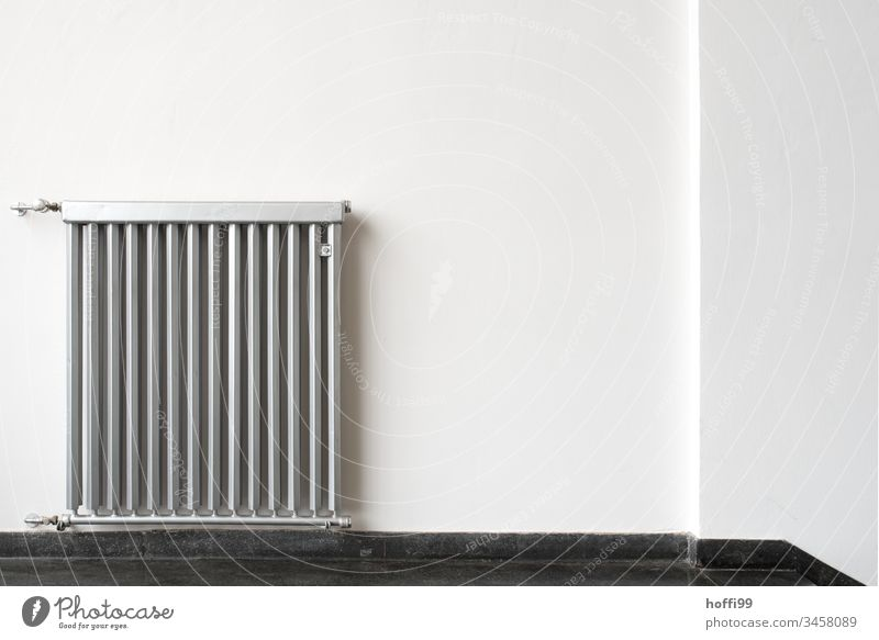 Wandheizkörper Architektur Heizung minimalistisch Heizkörper Wärme Raum erwärmen Häusliches Leben Innenaufnahme Menschenleer Innenarchitektur Kultur