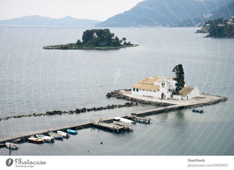Vlacherna-Kloster und Mausinsel auf Korfu, Insel Pontikonisi. Korfu, Griechenland Architektur schön blau Kirche Feiertag ionisch kanoni kerkyra Wahrzeichen