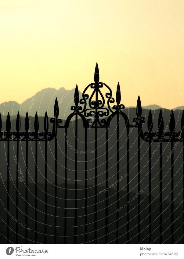 Ronda Himmel schwarz Ferne Berge u. Gebirge Stimmung Europa Romantik Aussicht Spanien Zaun Geländer Abenddämmerung Andalusien klassisch Stimmungsbild