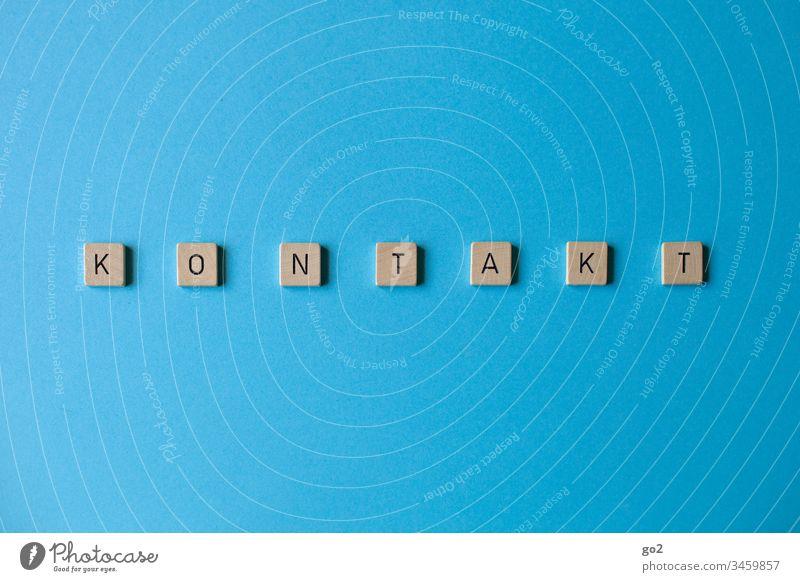 K O N T A K T los Kommunikation Kommunizieren Kontakt kontaktlos Typographie Typography Scrabble Buchstaben sprechen Sprache Business Schriftzeichen Wort