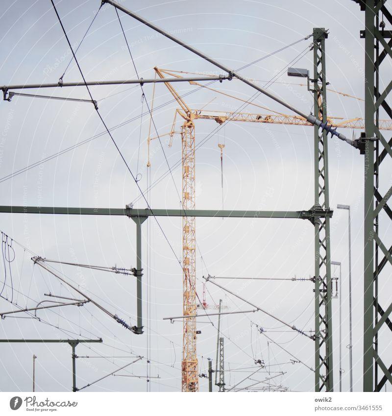 Urbanes Mikado Gerüst Stahl Eisen fest Kran Konstruktion Metall Gestänge Drähte Industrie Baustelle Außenaufnahme Arbeit & Erwerbstätigkeit Strukturen & Formen