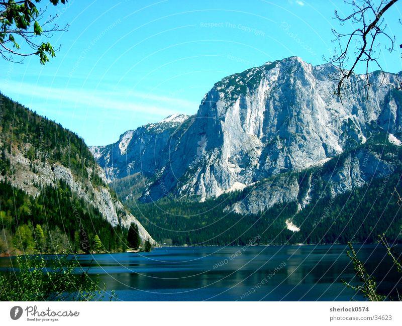 Der Berg Himmel Baum Sonne ruhig Berge u. Gebirge See