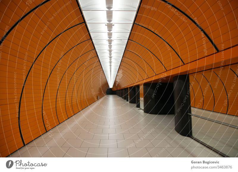 U-Bahnhof München Bogen Architektur Wandel & Veränderung Großstadt Farbe bunt leer Zukunft futuristisch im Innenbereich Reise Leben Licht Linien leuchtend