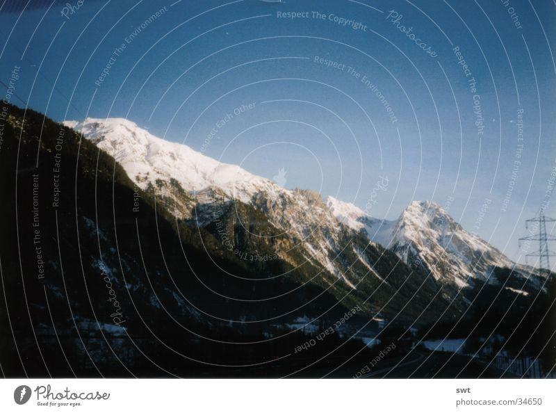 Unterwegs nach Innsbruck Österreich Winter Berge u. Gebirge Alpen Schnee Landschaft