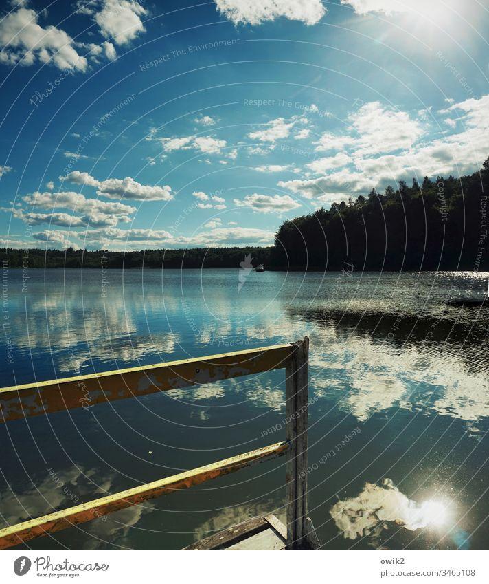 Grenzerfahrung See Horizont Idylle Wasser Wasseroberfläche Reflexion & Spiegelung Windstille Wald Mecklenburg-Vorpommern Brandenburg Himmel Wolken Steg
