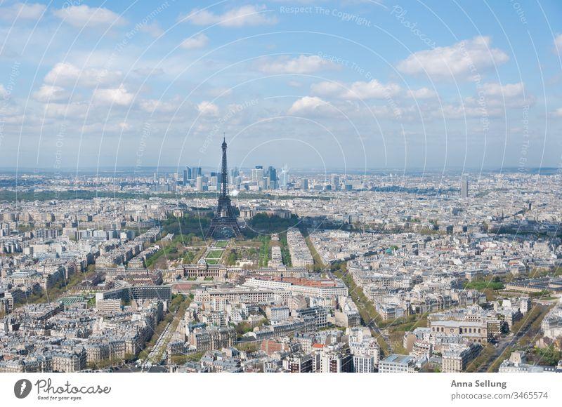 Eiffelturm in der Ferne mit malerischen Farben Paris Europa Frankreich Sehenswürdigkeit Tour d'Eiffel Wahrzeichen Architektur Außenaufnahme Turm