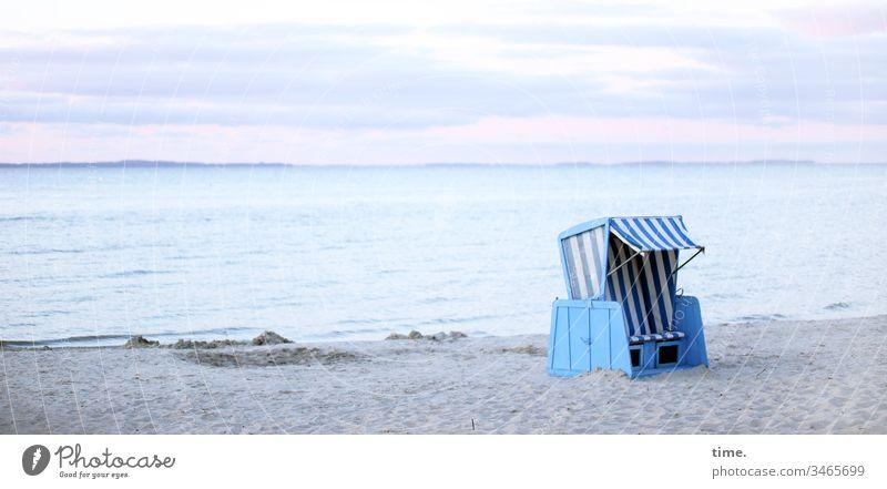hier riecht's doch nach ... Salz und Fisch ostsee meer wasser strand sand himmel strandkorb Horizont sommer wellen urlaub ferien reisen erholung blau rosa