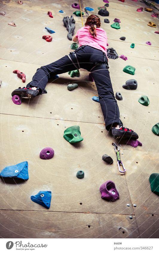 Lilalu Lifestyle Freude Freizeit & Hobby Sport Klettern Bergsteigen Seil Mensch Junge Frau Jugendliche Erwachsene Arme Beine 18-30 Jahre Mauer Wand Kunststoff