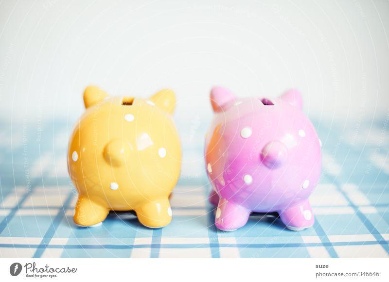 Das reicht vorne und hinten nicht! blau gelb lustig Glück klein rosa Lifestyle Design Armut Dekoration & Verzierung paarweise niedlich kaufen Geld Kitsch