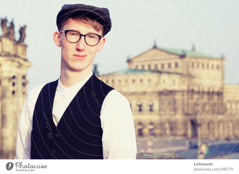Studieren in Dresden Tourismus Sightseeing Städtereise Student Bildungsreise maskulin Junger Mann Jugendliche 1 Mensch 18-30 Jahre Erwachsene Theater Opernhaus