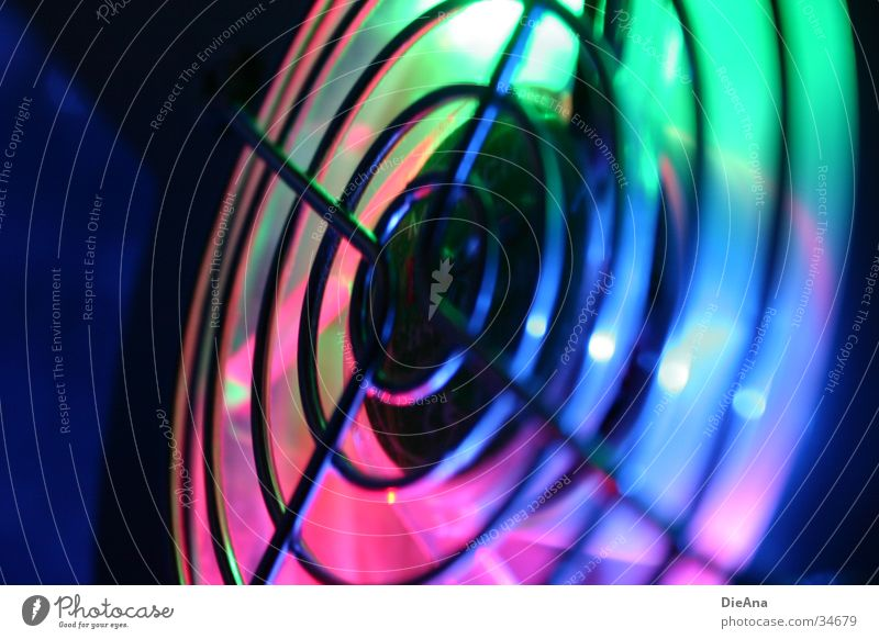 Colourful rotation (2) Fotokamera Belüftung Ventilator Gitter Drehung Computer mehrfarbig grün rosa violett Verlauf Licht Stil Aktion Elektrisches Gerät