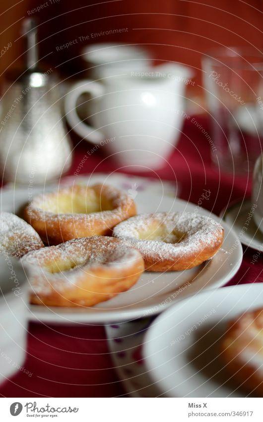 Pfannkuchen Lebensmittel Teigwaren Backwaren Ernährung Frühstück Kaffeetrinken Getränk Geschirr Feste & Feiern Karneval lecker süß Kuchen Krapfen Küchle