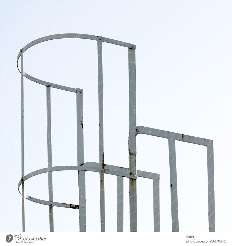Schnittstellen des Alltags (2) geländer himmel eisen rund metall rost sicherheit schutz