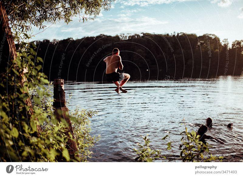 Drei Freunde im See genießen die Sommerzeit Erinnerung summertime Licht Gelassenheit Sommergefühl Schwimmen & Baden Teich Natur Schönes Wetter Zufriedenheit