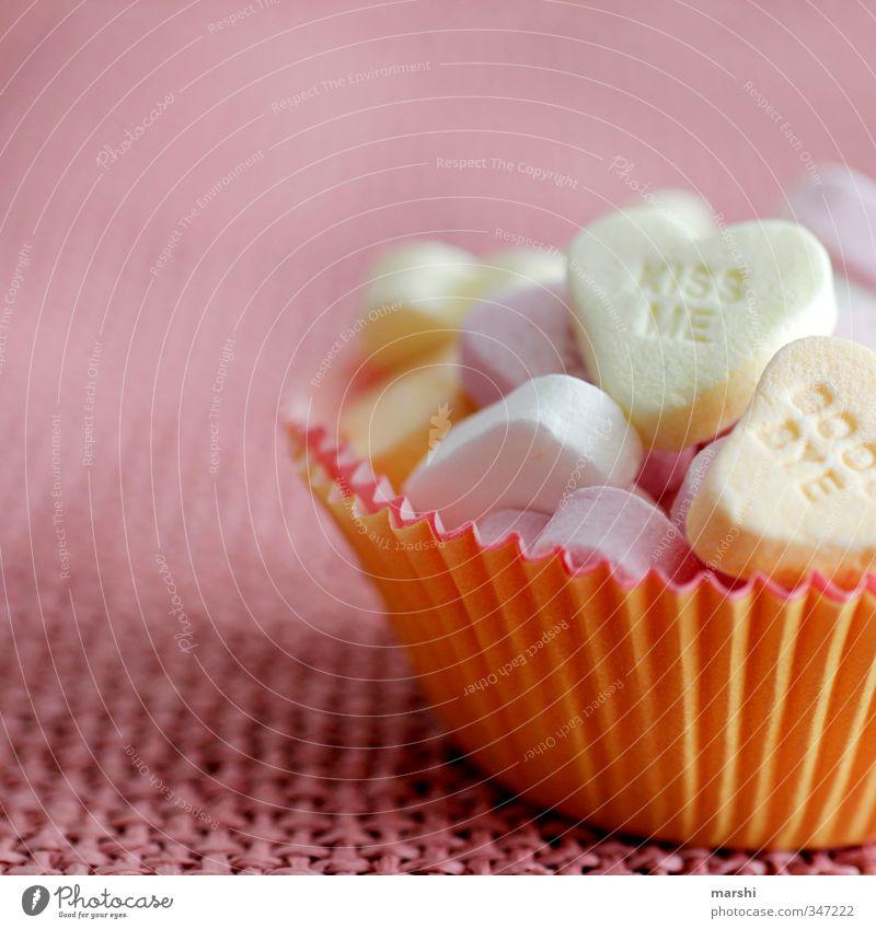 kiss me & goodbye Lebensmittel Süßwaren Ernährung Essen süß mehrfarbig Herz herzlich Herzlichen Glückwunsch Küssen Valentinstag Verliebtheit Liebe