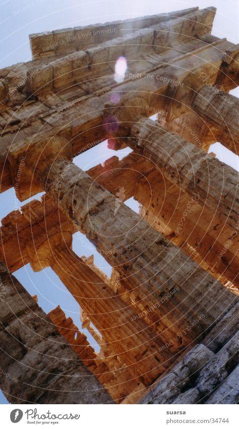 Die Tempel von Paestum 4 Ferien & Urlaub & Reisen Kultur Himmel Gebäude Architektur Sehenswürdigkeit Wahrzeichen Denkmal alt historisch stark mehrfarbig Italien