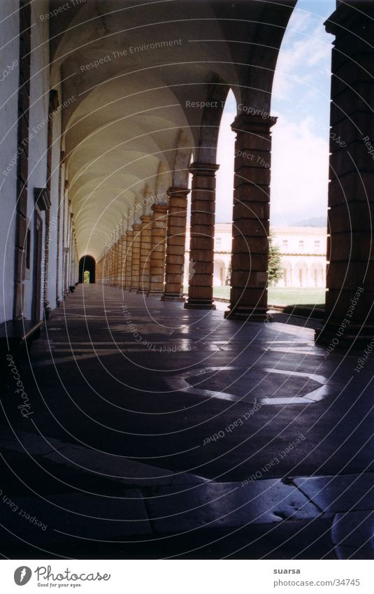 Kloster 2 Ferien & Urlaub & Reisen Himmel Italien Europa Kirche Tunnel Tor Gebäude Architektur Treppe Sehenswürdigkeit Wahrzeichen Denkmal historisch