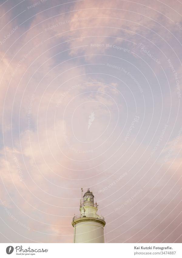 La Farola, der alte Leuchtturm von Malaga Sonnenuntergang Sonnenaufgang Himmel Schönes Wetter Menschenleer Außenaufnahme Farbfoto Dämmerung Küste Wolken