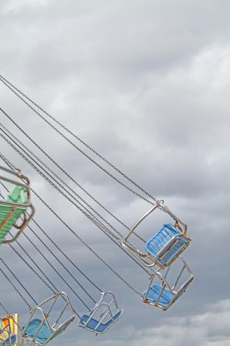 Geräusche l von Fahrtwind, Kettenrasseln und Jubel über freie Plätze. Kirmes Kettenkarussell Karussell Freude Jahrmarkt Freizeit & Hobby Geschwindigkeit