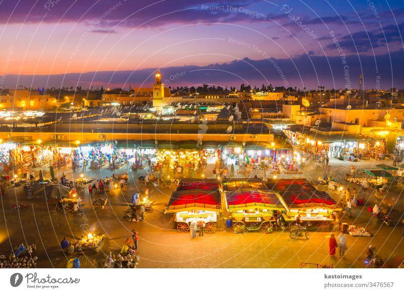 Jemaa el-Fna Platz in der Abenddämmerung, Marrakesch, Marokko Jemaa el Fna jemaa fna Quadrat marrakech Medina Ferien & Urlaub & Reisen Tourismus Wahrzeichen