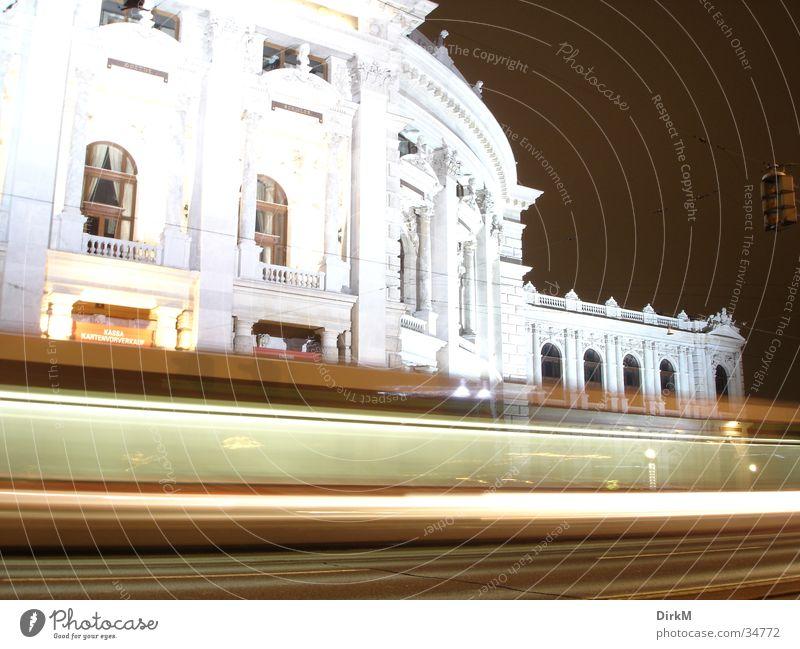 Burgtheater Wien Nacht Langzeitbelichtung Verkehr Europa Bewegung