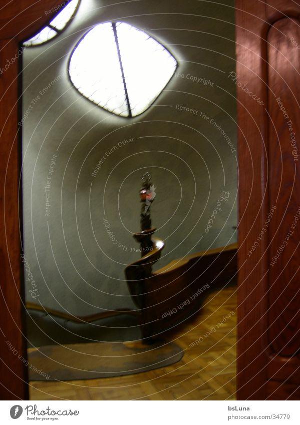 Casa Battlo 3 Barcelona Treppenhaus Licht Architektur Freude Stimmung Geländer Schnecke