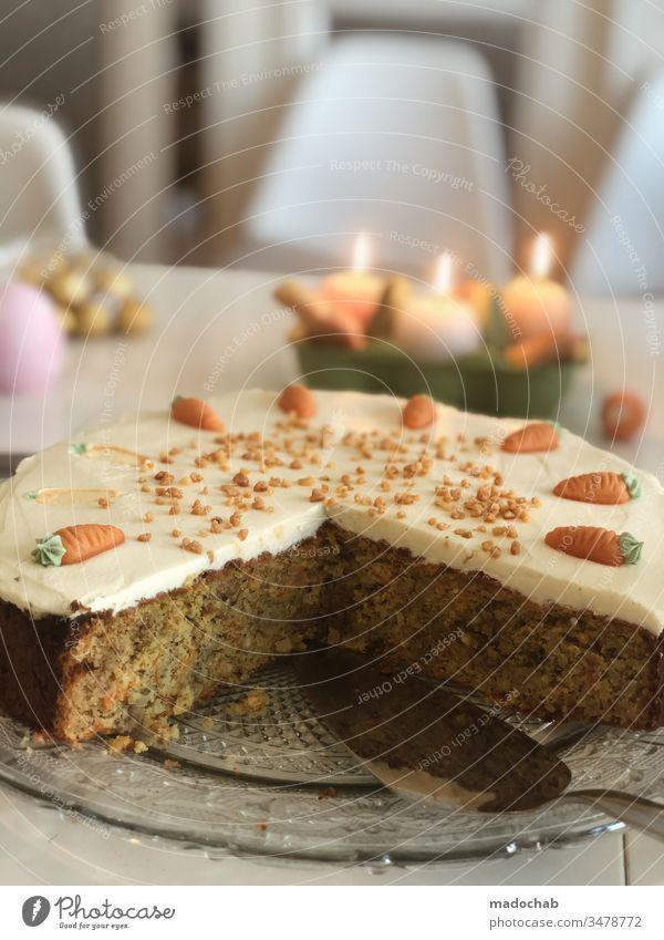 Rübli-Kuchen Karottenkuchen auf Tisch zu Ostern Ernährung Lebensmittel backen Foodfotografie Dessert Gesunde Ernährung Backwaren süß lecker