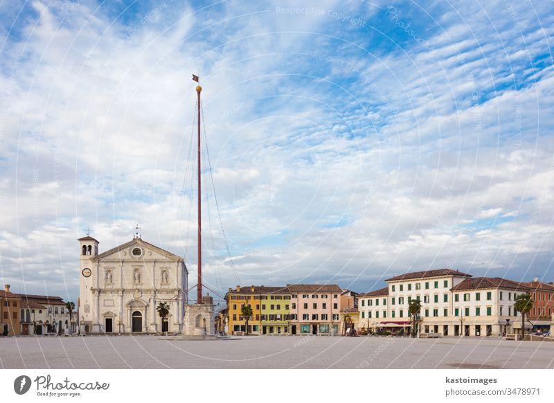 Hauptplatz von Palmanova, Italien. palmanova Quadrat Kirche mittelalterlich Markt Hintergrund Denkmal Plaza Udine weiß reisen Religion Italienisch venezia