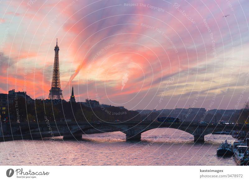 Sonnenuntergang über Eiffelturm und Seine. Paris Großstadt Turm Frankreich Brücke berühmt Tour d'Eiffel Wasser Himmel Kapital reisen Architektur Französisch
