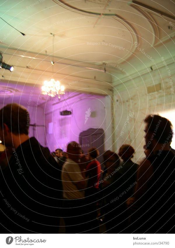 Menschen in Berlin alt Haus Party Menschengruppe Kunst Wohnung Ausstellung