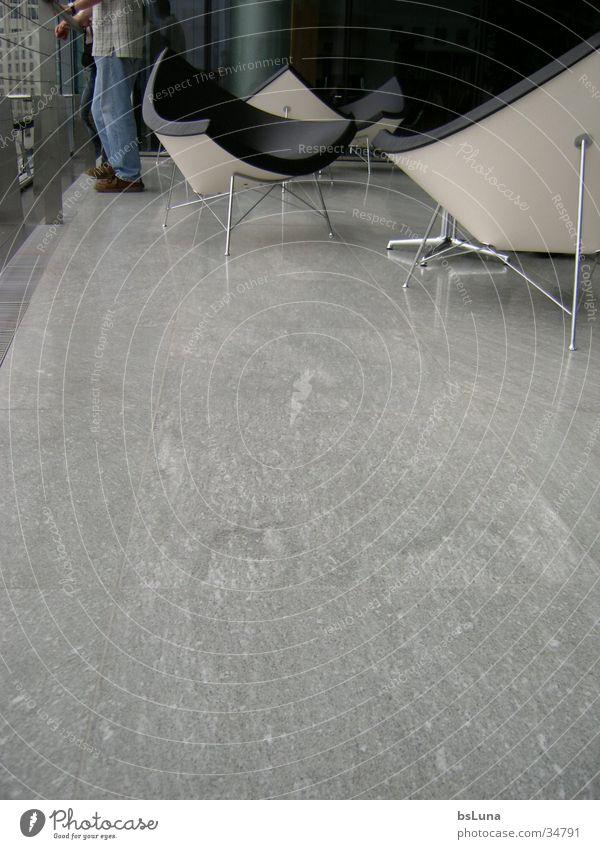 Claudia Stil Beine modern Stuhl Geländer Sessel