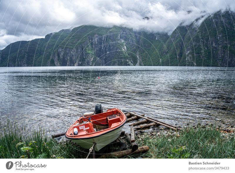 Anlegestelle in Norwegen Skandinavien Himmel Umwelt Natur Landschaft Außenaufnahme Farbfoto Schönes Wetter Ferien & Urlaub & Reisen Menschenleer Tag Licht