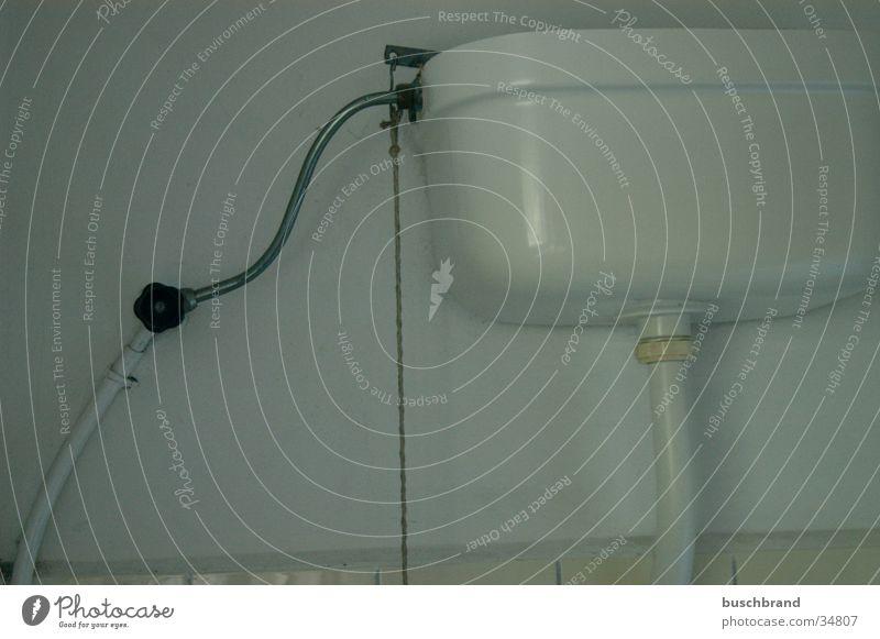 BUSCHBRAND_008 Wasser Toilette Fliesen u. Kacheln obskur Keramik Toilettenspülung