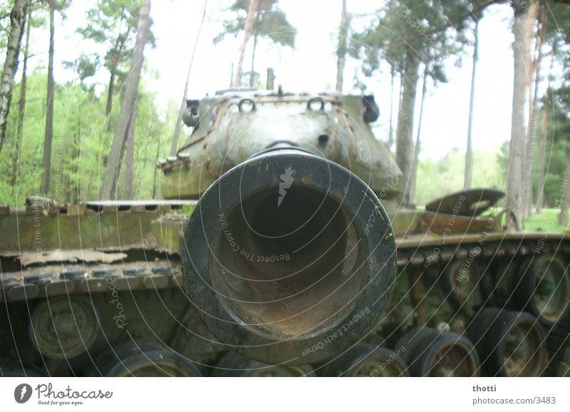 Angst Schrott Krieg historisch gepanzert Frieden Altlast