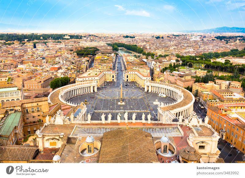 Petersplatz im Vatikan, Rom, Italien. Sankt-Petersplatz Petersdom Kirche Basilika Skyline Kathedrale panoramisch Wahrzeichen Dach Gebäude Historie antike Römer