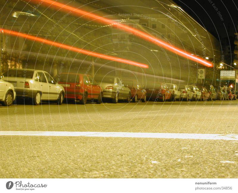 Dengdeeengdengdengdeng! Nacht Geschwindigkeit Barcelona Langzeitbelichtung PKW Bewegung Straße