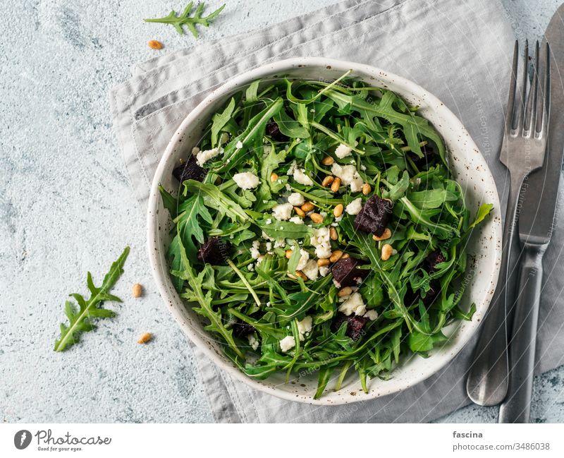 Aragula-, Rüben- und Käsesalat Salatbeilage aragula Rote Beete Frühstück gekocht Küche lecker Diät Essen Feta Lebensmittel Ziege grün Gesundheit Kraut