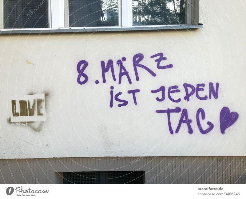 """Graffiti zum Frauentag: """"8. März ist Frauentag"""" / Foto: Alexander Hauk frauen gleichberechtigung frauentag märz Lohnlücke grundgesetz demokratie politik"""