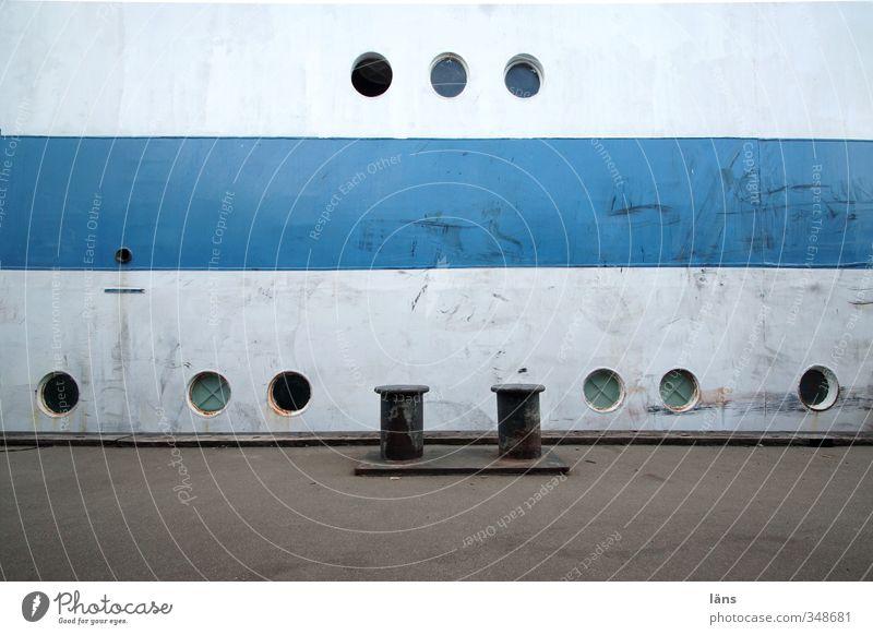 neun Augen Schifffahrt Segelschiff Hafen Bullauge Metall alt blau grau weiß Farbfoto Muster Menschenleer Textfreiraum unten Textfreiraum Mitte